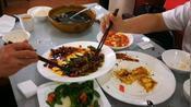 祥仔美食播报:云南昆明火车站周边餐饮,三素一荤一汤91元贵吗?