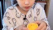【草莓/酸奶/南瓜咸蛋黄包/芒果蛋糕/蛋挞/番茄叉烧拉面/豆奶】吃播 - cr.一只黑猪蹄
