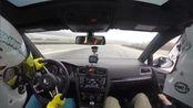 今天试驾朋友7代GTI, 车改了刹车, 轮胎换了AD08R, 其他全部原厂. 操控感和6代还是比较相似的. ASR不能全关还是挺烦人的, 出弯想早加油让涡轮早点启动很难. 油温不错, 全天没有超过120(气温20度). 原厂避震感觉还挺好的, 够玩. 整体