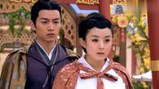 陆贞传奇:陆贞抱着高湛,宫女纷纷向高在下跪,陆贞一脸的不相信