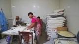 山东济宁卖煎包1元一个,一锅300个,一天卖10几锅,出锅就抢光