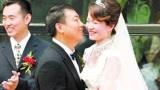 刘国梁妻子首次亮相!一个回答暴露刘国梁家庭地位!王瑾笑疯了