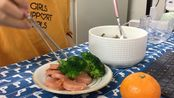 【煎香肠+蒜香菠菜牛肉拌面】韩国留学Vlog|我独自生活|忙碌了一周之后给自己做一顿丰盛的晚餐