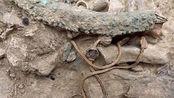 """江西省发现古墓,里面有一条""""龙"""",专家赶到后立刻申请武警保护"""