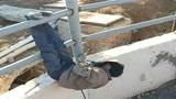 工地上工资最高的电焊工,看到这干活的姿势,工资高是有原因的!