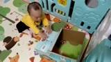 米菲纸尿裤箱子做的玩具汽车,萌宝玩得爱不释手,增强专注力。