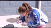 小伙教妹妹写数学题,把乘法口诀背成了节日表,天才啊!