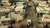 末路重生:特拉维斯走了近道,他在路口撞停了敌人的车