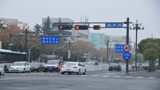 路口红灯到底能不能右转?交警:这几种情况要注意,做错就扣6分