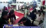 [热线12]热线关注 浙江乐清:民警加班后吃夜宵 意外抓获在逃人员