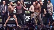 我在UFC200 敲定 嘴炮(Conor McGregor)vs 小麻(Nate Diaz )二番战!截了一段小视频