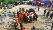 银川失联辅警王永良遗体已被找到,7月28日,数千群众自发为他送别。群众已转移!战友,一路走好!