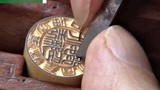 实拍日本工匠雕刻印章,想不到这么多门道,长见识了