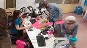 父亲带着儿子来办理业务, 只有一个女店员, 监控拍下无语画面!