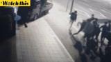 韩国高三学生被一群人打住院 警察却'见死不救'