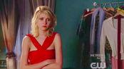 【绯闻女孩】 穷女孩偷同学家的华伦天奴礼服,被当场揭穿……场面极其尴尬~
