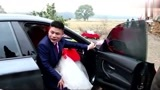 江西农村小伙娶个城里老婆,娘家陪嫁10万元现金