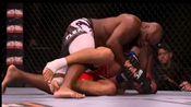 UFC重量级黑野兽—德里克·刘易斯