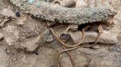 """江西省一古墓,挖到一条""""龙"""",专家赶到后直接申请武警保护!"""