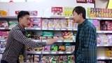 老师逛超市,没想超市是学生家长开的,两人的交流太有才了,搞笑