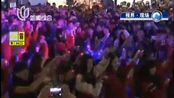 香港:近20万人平安夜倒数狂欢