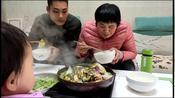 安徽阜阳:香到骨子里的红烧鱼头,香气四溢,地道家乡味!