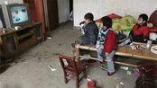 32岁妈妈亲手饿死3个女儿,只留儿子:因生的孩子太多没钱养