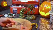 和斯科特·弗兰德斯一起雕刻《沼泽物语》系列