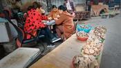 木兰在常德走街串巷,逛农贸市场,想了解当地菜篮子,市井生活