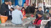 防城港已经被东北人占领了,街上东北饭馆密集,候鸟老人扎堆打牌
