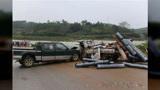 同仁坡交通事故:皮卡车与小货车迎头相撞致1死1伤