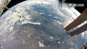 NASA宇航员Randy Bresnik在太空中行走时!