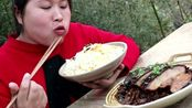 广式梅菜扣肉胖妹第一次吃,超下饭的菜胖妹米饭做少了,3斤米饭不够吃!