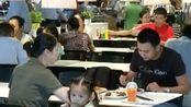 """上海一宜家发""""限令"""":先购餐后入座"""