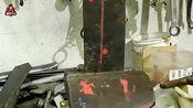 牛人用废铁制作的这个工具,许多工人都会用到,真的太实用了!