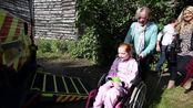 Richard Hammond grants Emilia's Rays of Sunshine wish to go in a pink