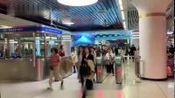 """1个月平均15名乘客昏倒 这个地铁站每天广播""""提醒吃早餐"""" via@看看新闻Knews"""