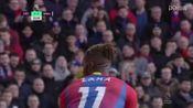 第20分钟西汉姆联球员菲利佩·安德森抢断成功