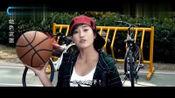 校篮球队瞧不起女孩, 没料到女孩是篮球高手, 一打五太漂亮!