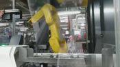 机械手自动装夹,现在大厂车间都是这样子的,慢慢的都取代人工了