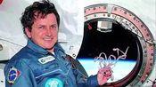 """【太空探险公司】世界第五位""""太空旅客"""" 也是首位两次游玩的旅客(查尔斯·西蒙尼)"""