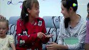秋瓷炫离家泪崩,婆婆送镯子,秋瓷炫果真还是喜欢值钱的东西的!