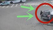 五菱神车被撞冒烟,肇事司机还想跑,交警;吊销驾驶证!