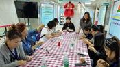 """广州市妇联举办的""""红棉瑞丽""""军嫂创业项目体验活动,由我们""""小茹裙褂""""教军嫂们制作""""珠绣手工胸针"""""""