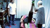 腰间盘突出大腿后侧疼怎么办?