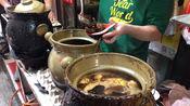在广州荔湾吃猪脚,一碗12元喝得连汤都不剩,开店10年顾客多