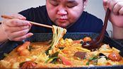 【麻辣烫】麻辣烫好像是脱胎于四川的冒菜吧?杨国福张亮一类的大家听过没?