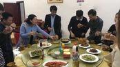 江西六毛:赣州之行,与华农兄弟一起聚餐,尝尝当地的美食!