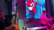 巡演到福建龙岩酒吧 红吧livehose当地的音乐人+吉他手老板 走起原创音乐