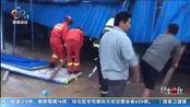 湖北咸宁:强风暴雨致活动板房垮塌 消防紧急救出5名被困人员